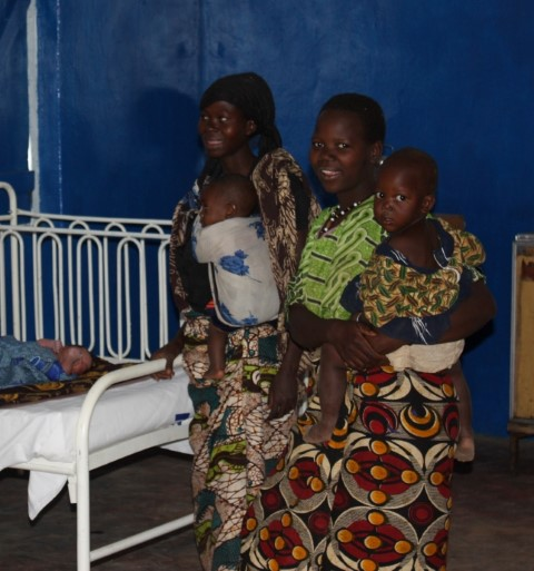 Mothers at Mwanhala Clinic