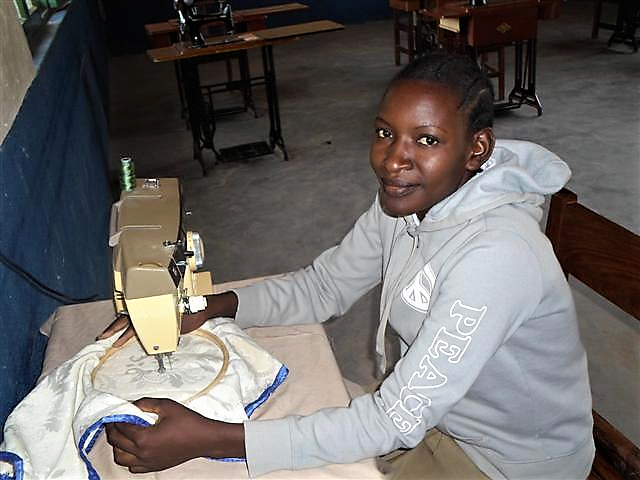 Sikonge_sewing.png