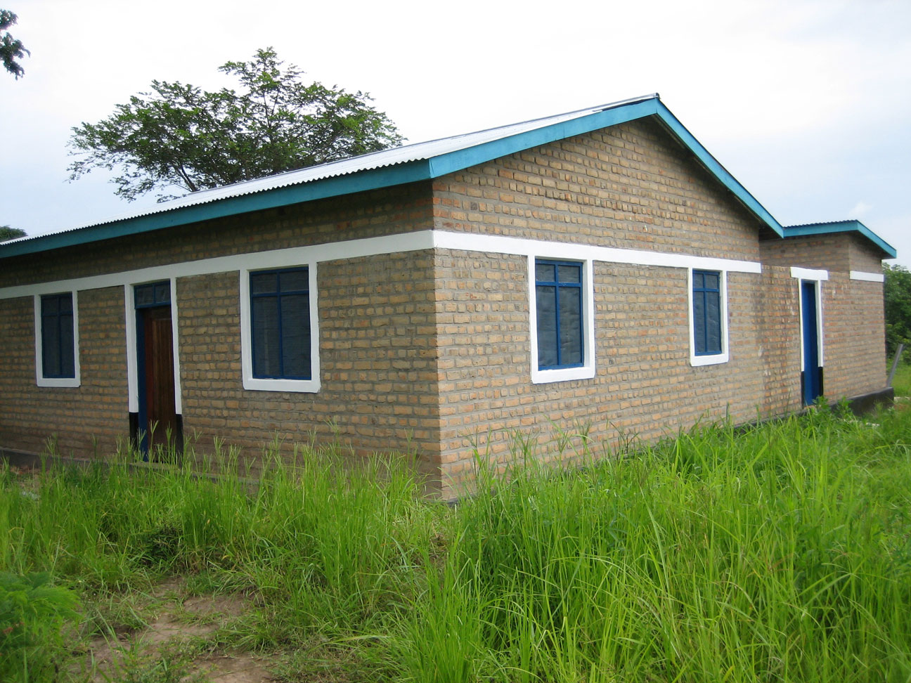 Uhindi clinic staff house