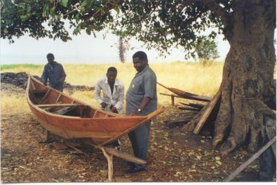 Boat builders at Lake Sagara near Maboha